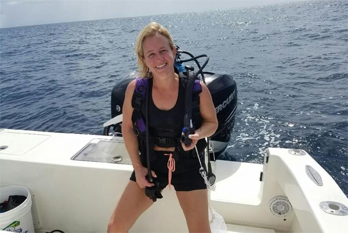 Ali Kaufmann diving
