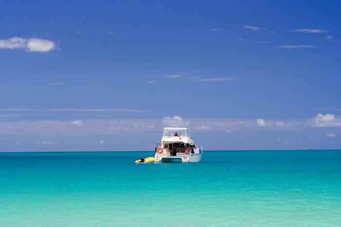 Yacht charters from miami to bimini worldwide boat for Bimini fishing charters