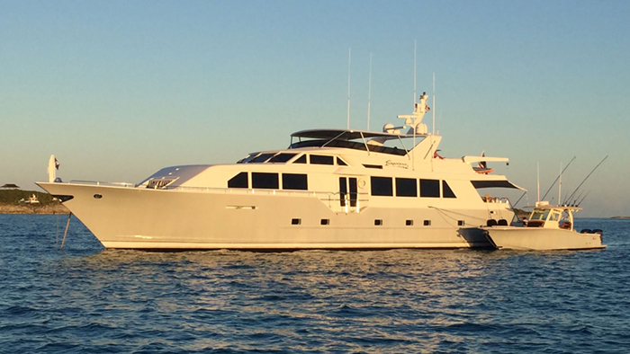 Independence 3 Yacht