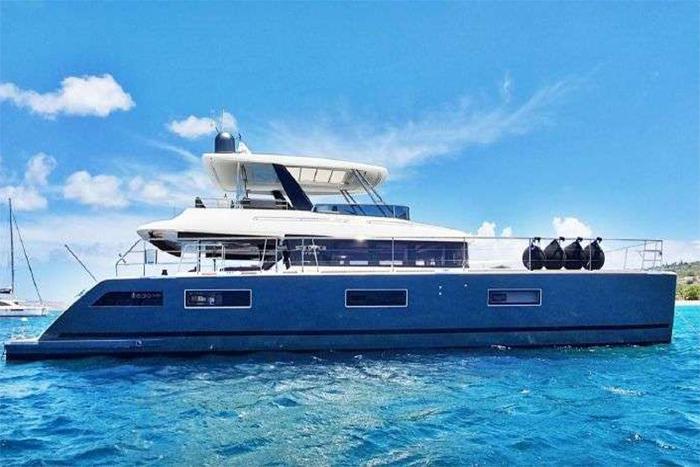 Mare Blu catamaran