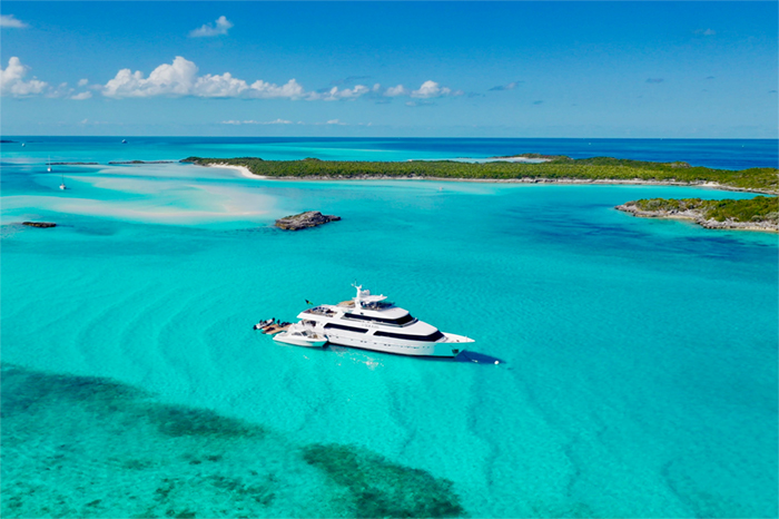 Charter yacht Sea Axis in the Exumas