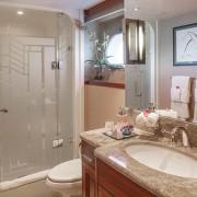 Amitie guest bathroom