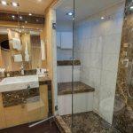 BW guest bathroom