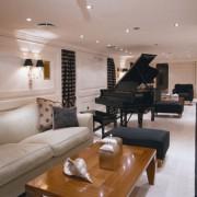 Christina O piano lounge