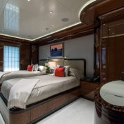 Excellence V twin cabin