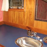 Alaskan Sotry guest bathroom
