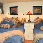 Kayana twin cabin