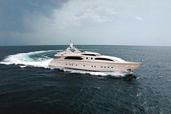 Yacht Helios
