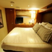 Island Girl guest cabin
