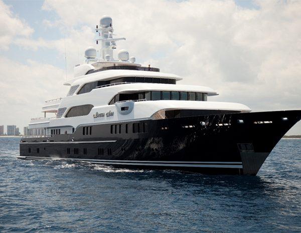 Yacht Martha Ann
