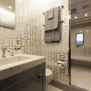 Moonraker guest bathroom