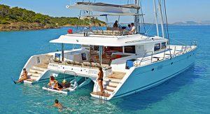 Catamaran Moya