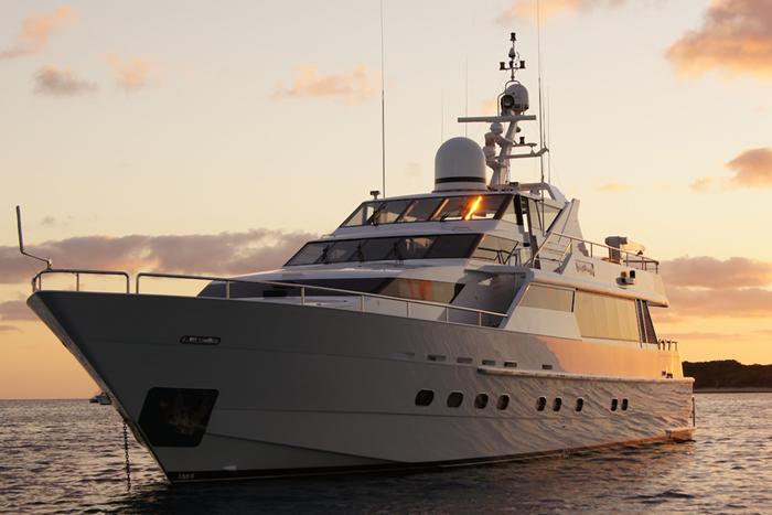 Yacht Oscar II