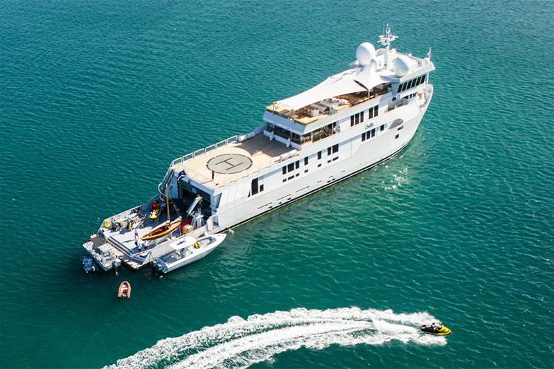 Yacht Suri