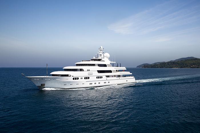 Yacht Titania